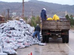 Beyşehir'de ihtiyaç sahibi ailelere yakacak desteği