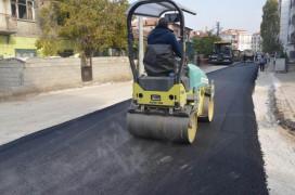 Ereğli Belediyesi sıcak asfalt çalışmalarını sürdürüyor