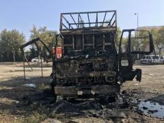 Konya'da park halindeki kamyon yandı