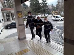Akşehir'de 434 şişe kaçak içki ele geçirildi