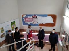 Konya'da ilkokulların duvarları çizimlerle süsleniyor