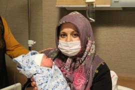 Konya'da yılın ilk bebeği doğdu, iki kutlama bir arada yapıldı