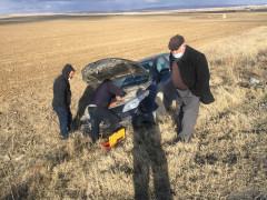 Kontrolden çıkan otomobil şarampole devrildi