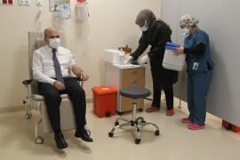 Konya'da korona virüs aşısı yapılmaya başlandı