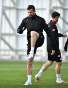 Uğur Demirok Konyaspor'dan ayrıldı