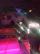 Kısıtlamada eğlence mekanında yakalananlara polisten işlem