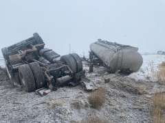 Konya'da tanker devrildi, sürücü yaralandı