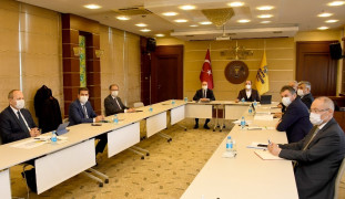 Başkan Altay, merkez ilçe belediye başkanlarıyla 2021 yatırımlarını görüştü