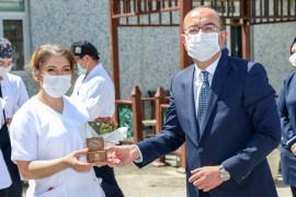 """Başkan Kavuş: """"Sağlık kahramanlarımıza minnetimizi verdiğimiz destekle gösterdik"""""""