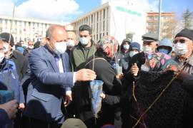 Ereğli Belediyesi'nden vatandaşlara 30 bin fidan