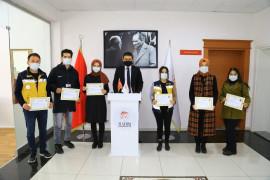 Hadim'de sağlık çalışanları başarı belgesi ile ödüllendirildi