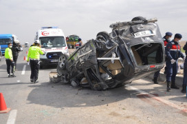 Konya'da otomobil devrildi: 4 yaralı