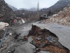 Konya'nın Taşkent ilçesinde sel nedeniyle 3 mahalleye ulaşım kesildi