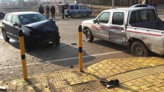 Konya'da pikapla otomobil çarpıştı: 2 yaralı