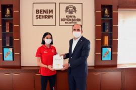 Cimnastikte Türkiye'nin gururu olan Elif Çolak Başkan Altay'la buluştu