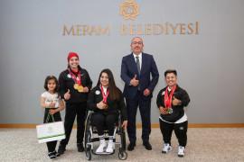 Milli haltercilerden Tokyo Olimpiyatları'nda madalya sözü
