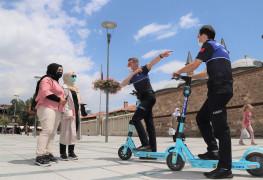Konya Büyükşehir zabıtasından elektrikli scooter ile hizmet