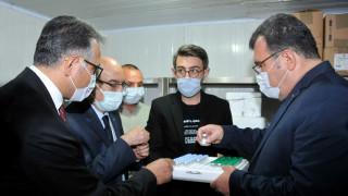 TÜBİTAK Başkanı Prof. Dr. Mandal, SÜ'de yürütülen aşı çalışmaları hakkında bilgi aldı