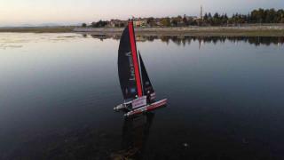 İzmir'den gelen sporcular Beyşehir Gölü'ndeki susuzluğa yelken açtı